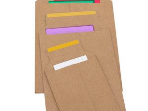 Sobre e-commerce en acabado kraft con cinta adhesiva